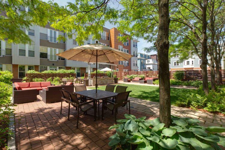 Mezzo Design Lofts Courtyard